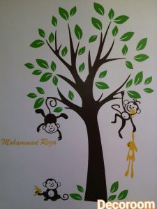 نمونه اجرا شده برچسب دیواری درخت و میمون