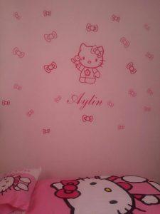 نمونه اجرا شده برچسب دیواری اتاق دخترونه