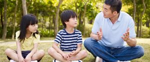 تاثیر آموزش مسئولیت با بازی در رفتار با بچه ها